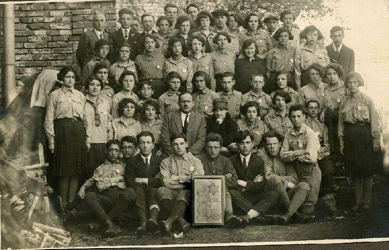 ביקור המשוררת אלישבע ביחובסקי בצ'ורטקוב 1927