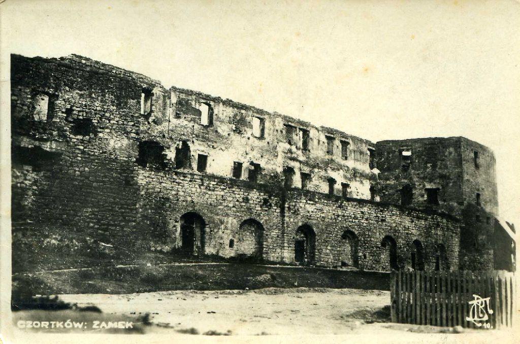 הזמק-מבצר עתיק בצורטקוב. אוסף אליהו פינקלמן