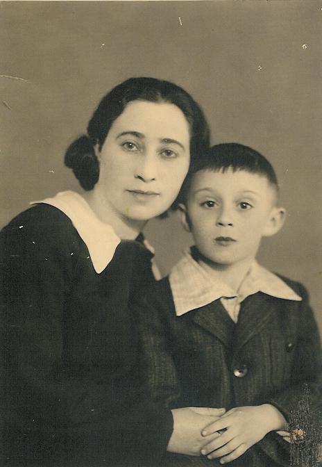 יצחק גוטפריד ואמו