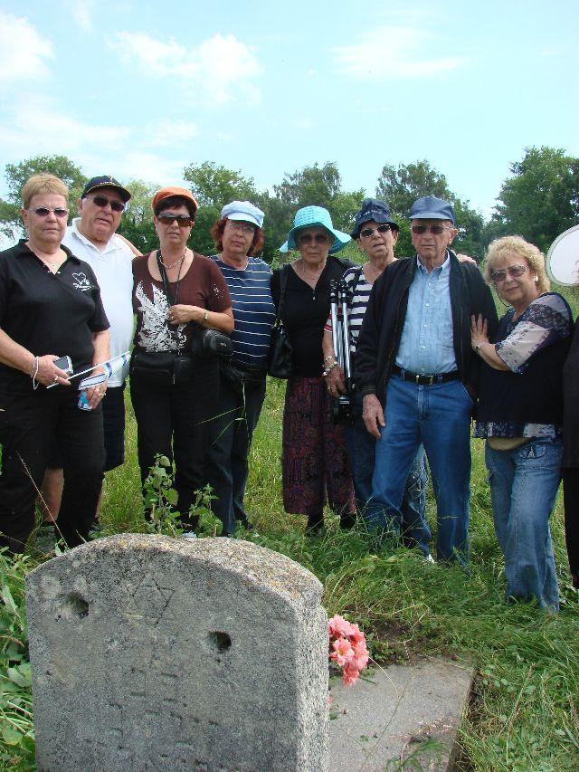 רינה גבעון במסע שורשים לצ'ורטקוב 2008 (16)