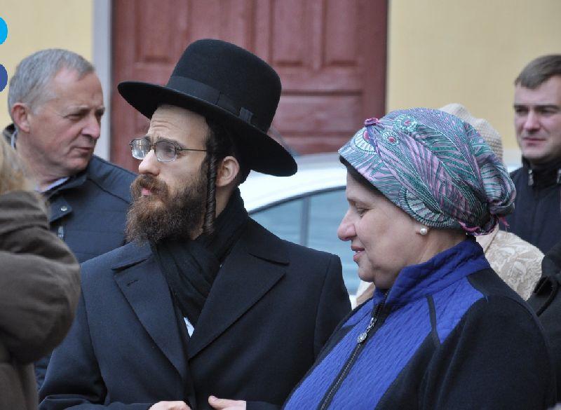 אנשי הקהילה היהודית באזור