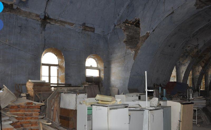 מצב בית הכנסת היום מבפנים