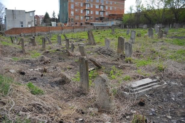 בית קברות יהודי ישן בצ'ורטקוב Chortkiv Old Jewish Cemetery (4)